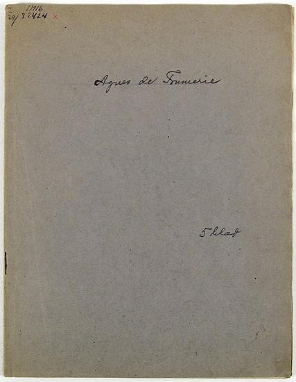 Skissbok med fem blad i och med skisser föreställande studier av kvinnor.