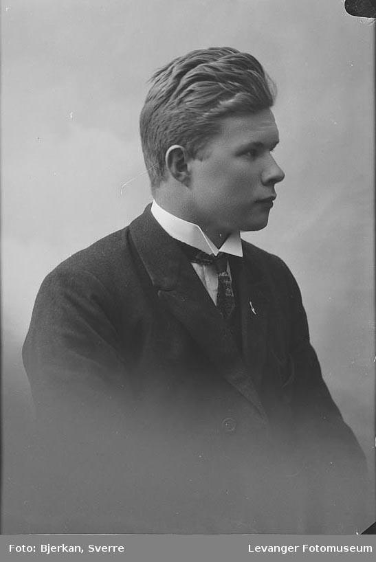 Portrett av P. Nilssen.