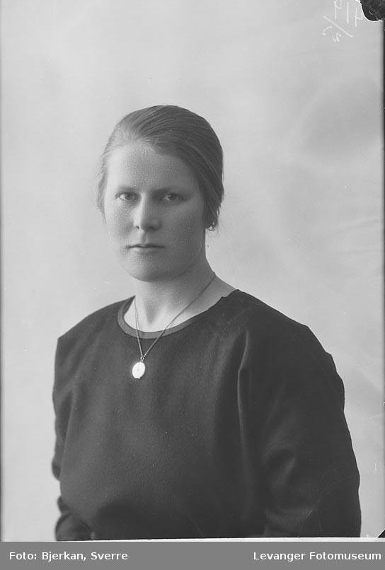 Portrett av Stella Roland