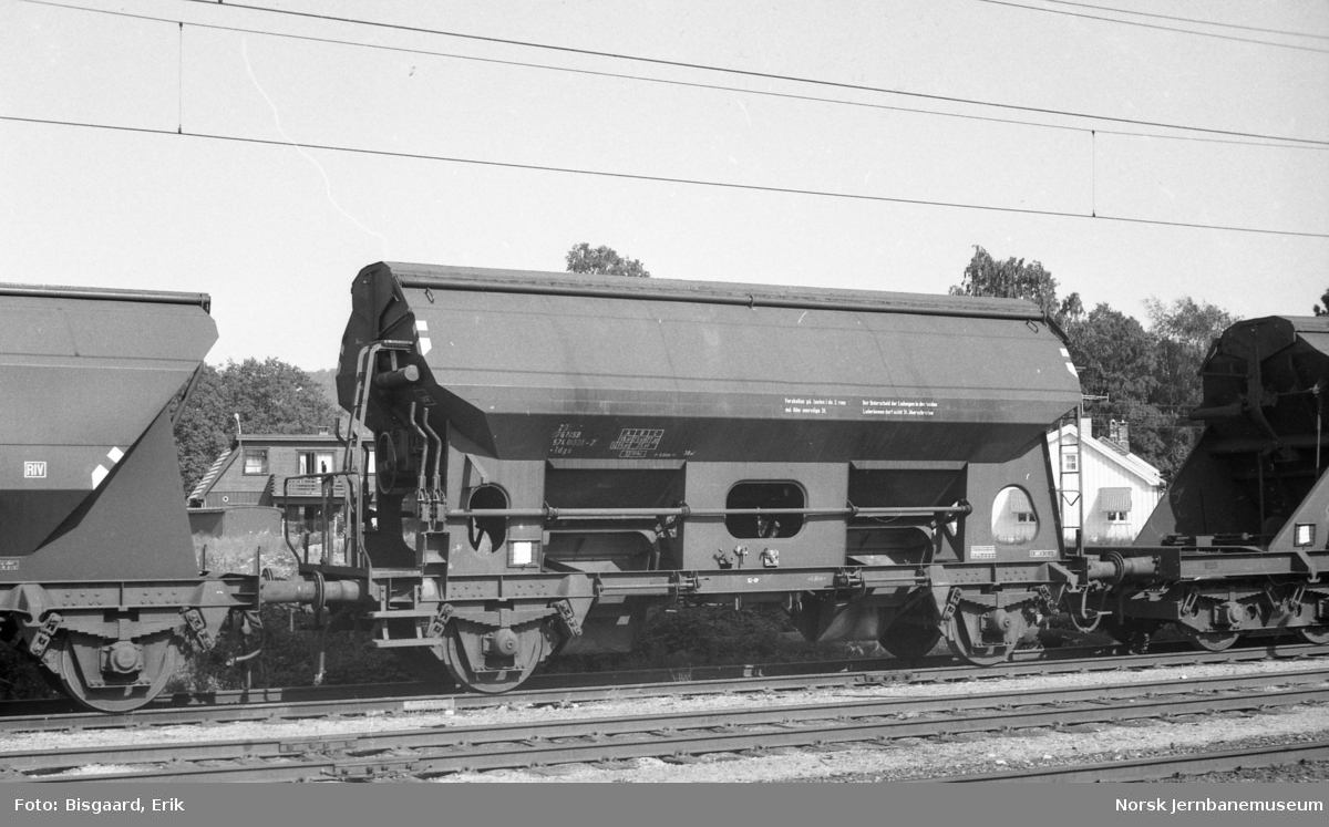 Bunntømmingsvogn litra Tdgs nr. 574 0001 på Porsgrunn stasjon