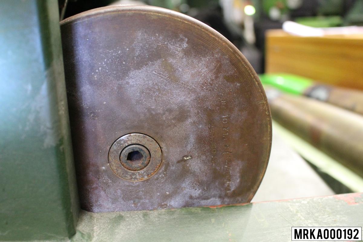 12 cm laddövningsprojektil 12/80. 20 st projektiler i varje förpackning (kolli). Färgmärkning grönmålad projektil.