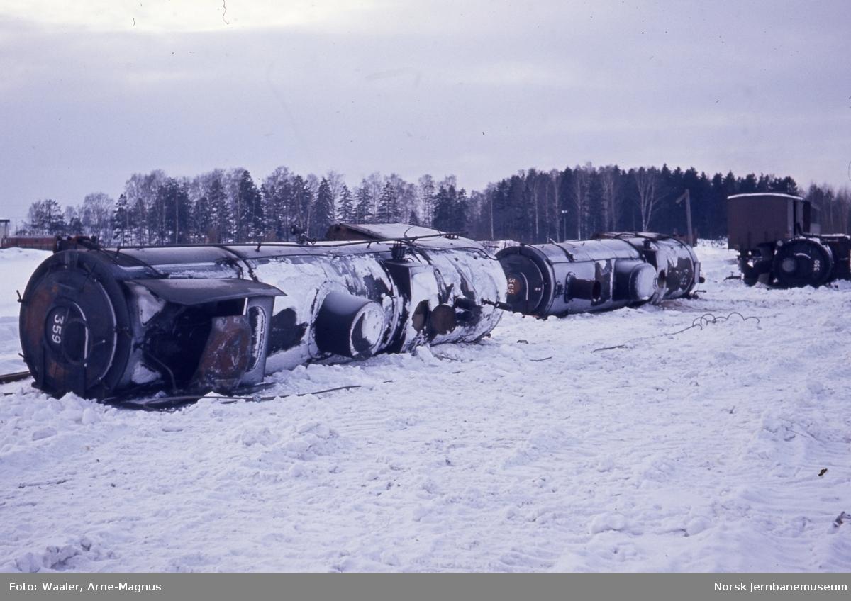 Kjeler fra damplokomotivene type 30b nr. 359, 365 og 350 på verkstedet Grorud