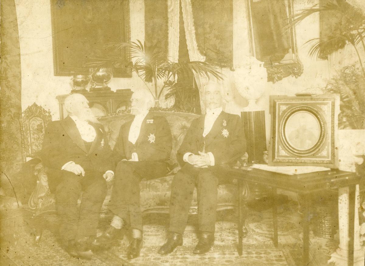 Porträtt av Generalmajor Gustaf Anton Bråkenhielm, riksmarskalk Fredrik von Essen och Generalmajor Carl Wilhelm Ericson den 3 maj 1918.
