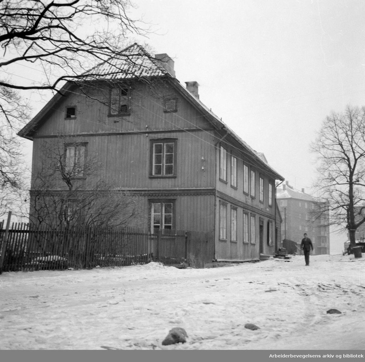 Teisen hovedgård: Nå daghjem. Januar 1954