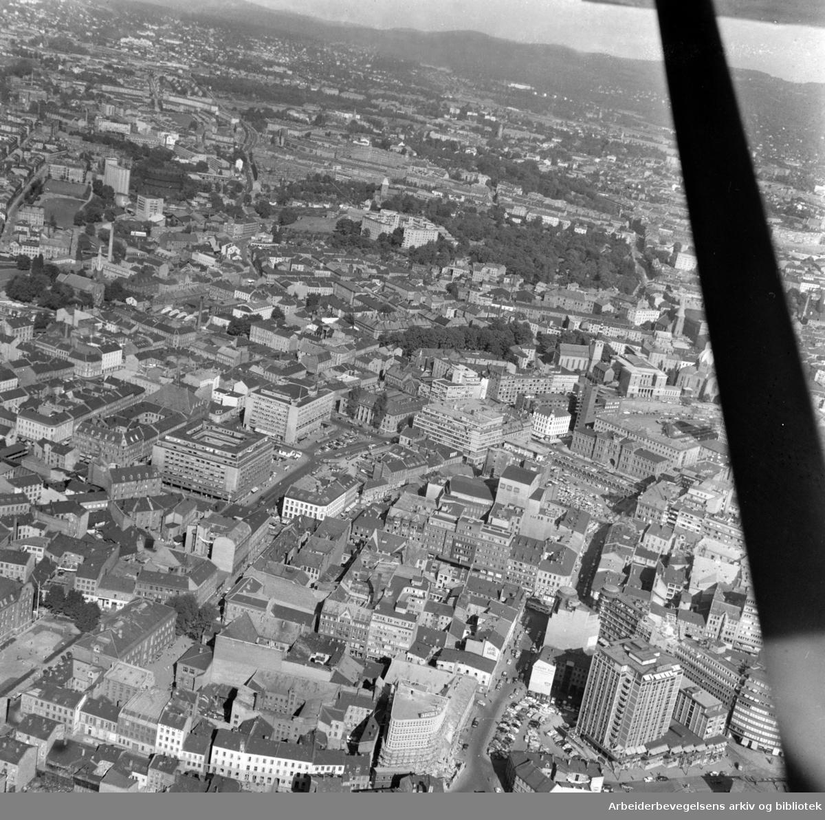 Sentrum.Flyfoto.September 1958