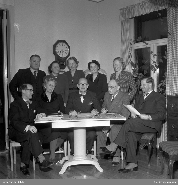 Styrelsen för Sundsvalls barnhem 1951. Gruppfoto med fem kvinnor och fem män.