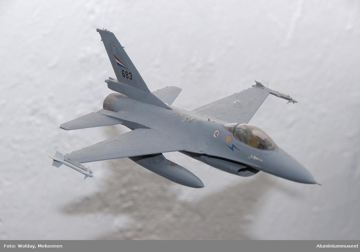 F-16 lekefly (byggesett)