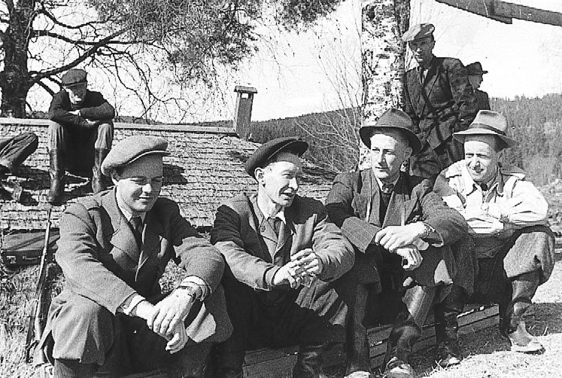 Fr. vänster Börje Börjars, Olle Wikström, Allan Gustafsson, Erik Uppvall, bakom till höger Berndt Weinholt.