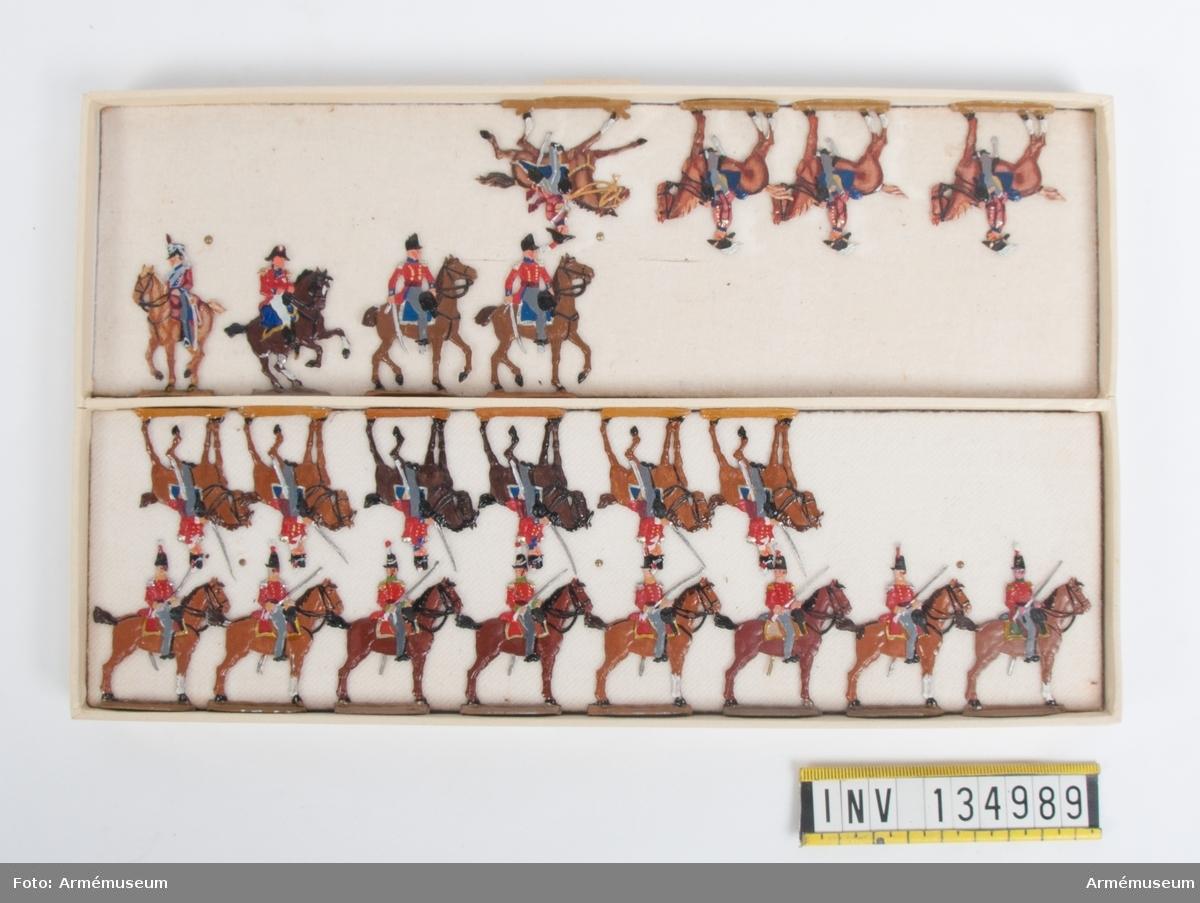 Generalstab från Storbritannien från Napoleonkrigen. En låda med figurer. Fabriksmålade.
