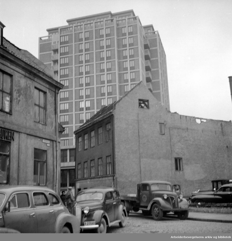 Viking Hotell, og omgivelser. November 1951