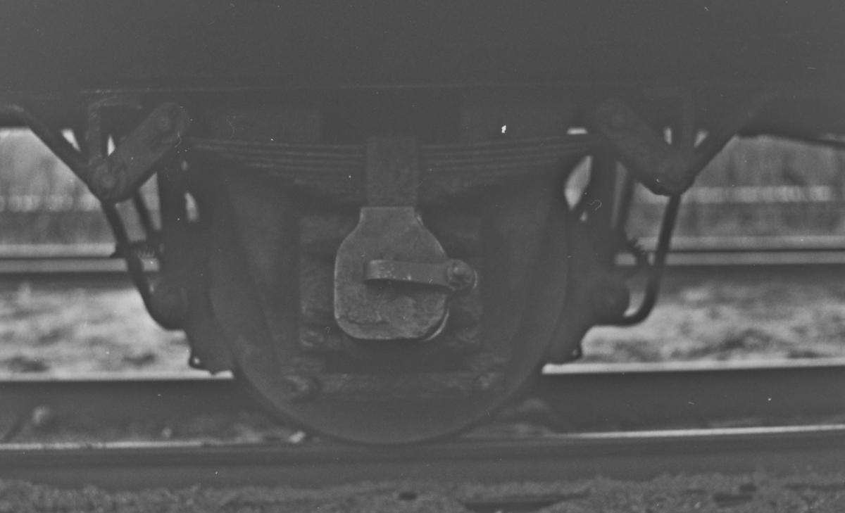 Detaljbilde av aksling på godsvogn N 105