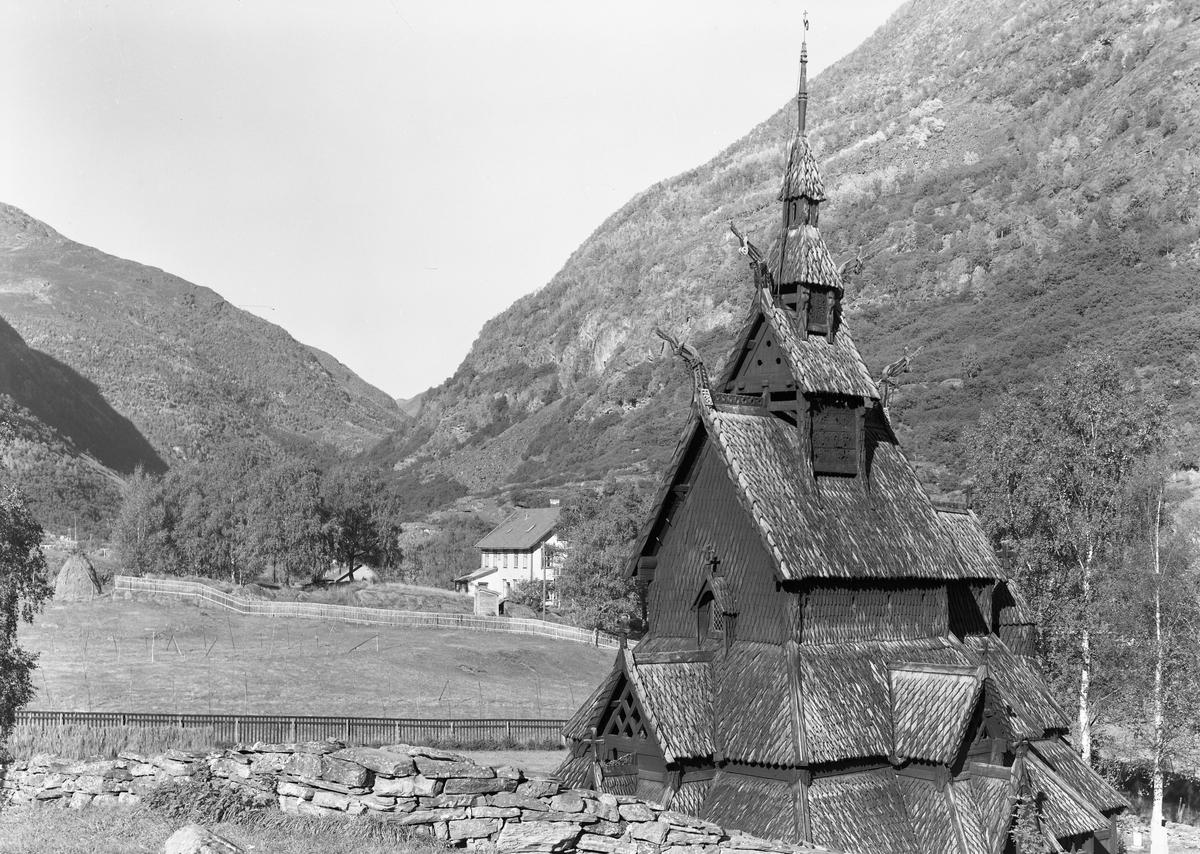 Borgund sravkirke, Lærdal.