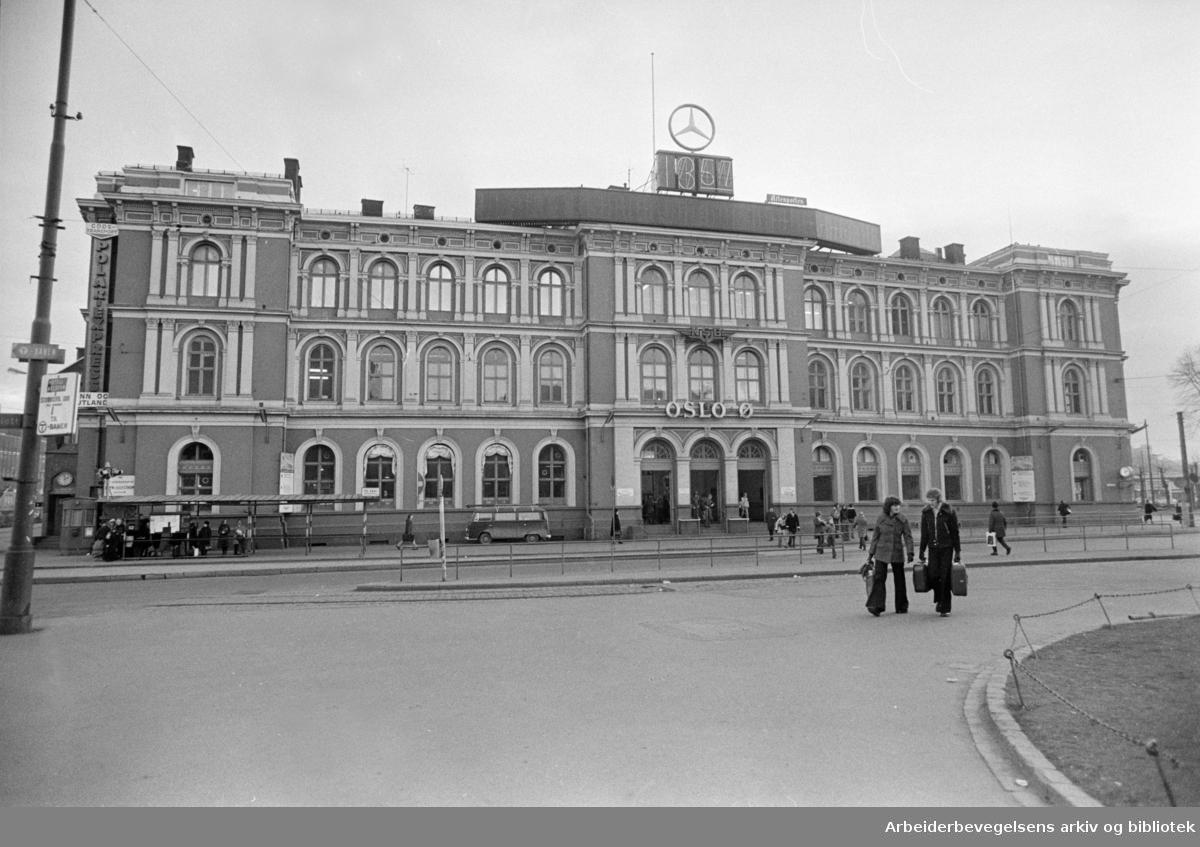 Østbanestasjonen. Desember 1976