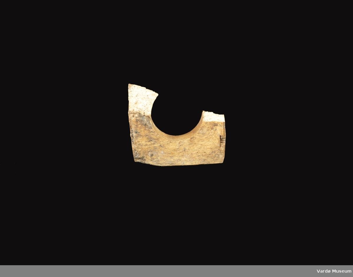 Vadbein eller vadhorn (av norrønt språk ''vaðr'', ''snøre'' eller ''line'') er et fiskeredskap som festes på båtripe for å redusere slitasjen under fisking med fiskesnøre eller linefiske, nå mer i form av en rulle av tre, plast eller metall (rullevadbein). Vadbeinet brukes spesielt ved pilking eller juksafiske. Hensikten med vadbeinet å unngå slitasje på båtripa og fiskesnøret, som konstant dras opp og slippes ned ved disse fiskemetodene. Bruk av vadbein gjør det også lettere å dra snøret.  Navnet vadbein stammer fra norrøn tid, da det ble brukt stykker av skjelett eller horn til å dra snøret over. Disse vadbeinene var enten gaffelformede, hvor snøret ble dratt mellom takkene, eller salformede, laget av delte rørknokler, hvor snøret ble dratt over salen. Etterhvert ble disse vadbeintypene erstattet av rullevadbeinet, laget i tre med sideplater på hver side av rullen. I nyere tid er tre blitt erstattet av andre materialer, hovedsakelig plast eller metall.