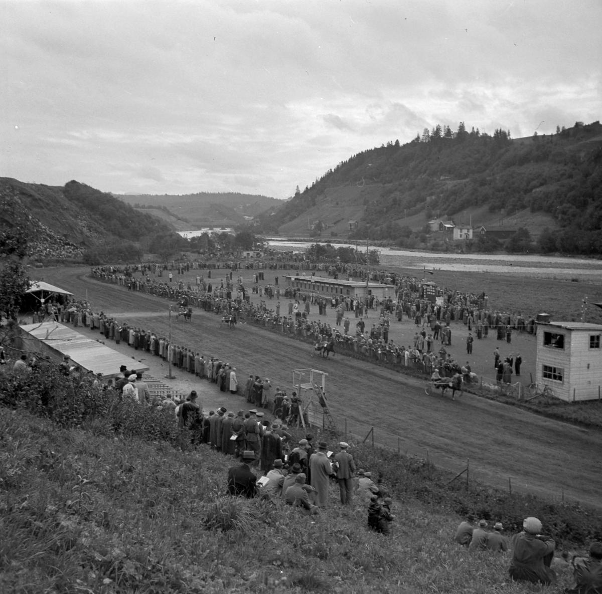 Tempe travbane på Valøya