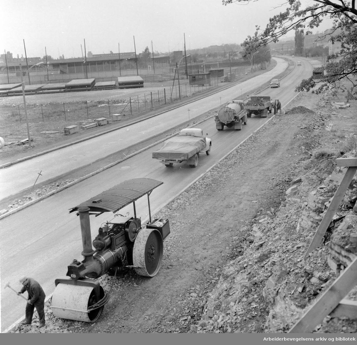 Ringvei. Ringveien åpnet ved Ullevål. Oktober 1960