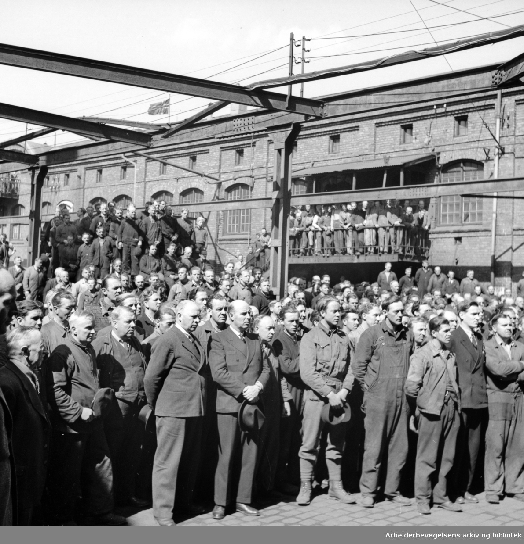 Nylands verksted. Minneplate avdukes. Mai 1946