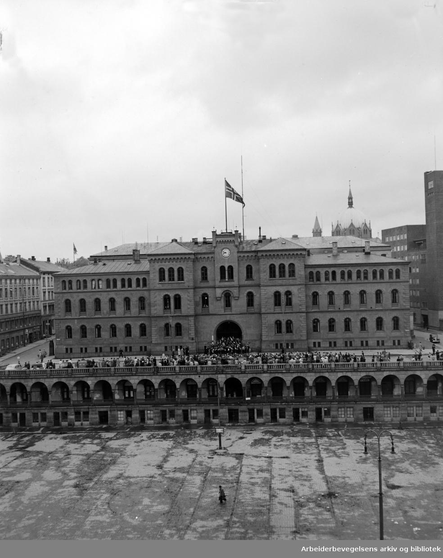 Møllergata 19, eksteriører. Mai 1949