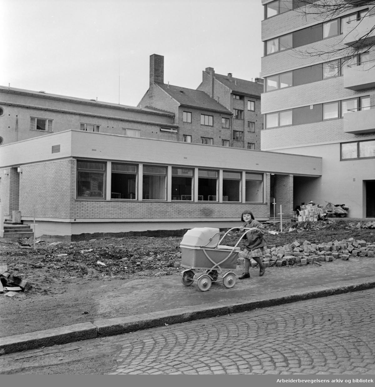 Hølandsgata 1. Barnehagen. Oktober 1961