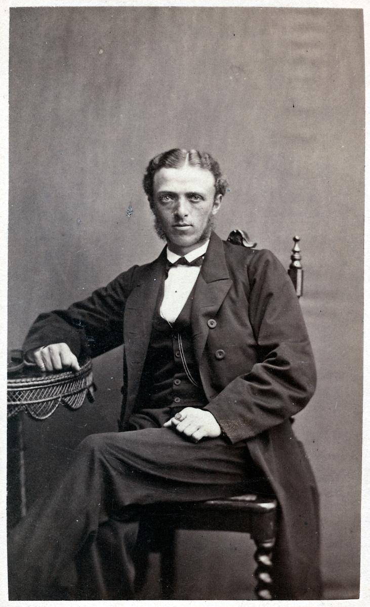 Bokhållare Knut Esselius.