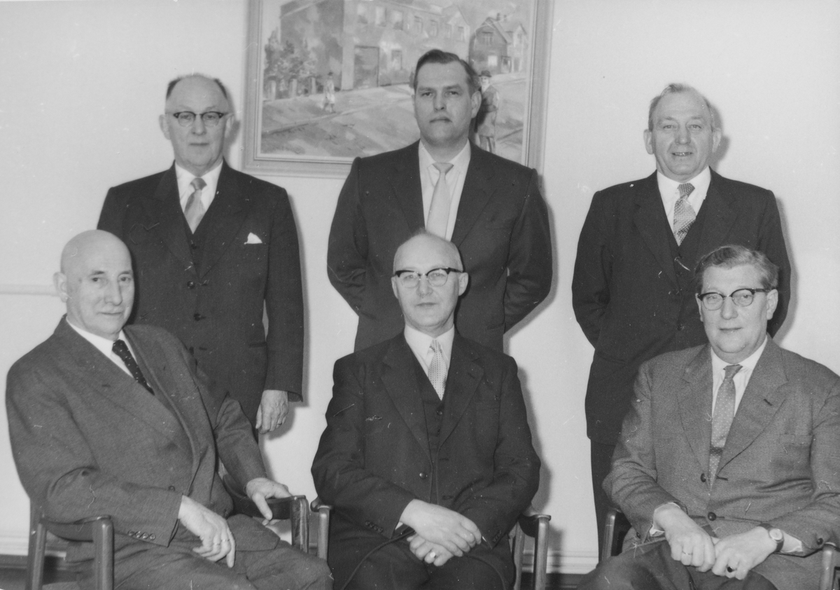 Gruppeportrett av styret i Senja Margarinfabrikk.