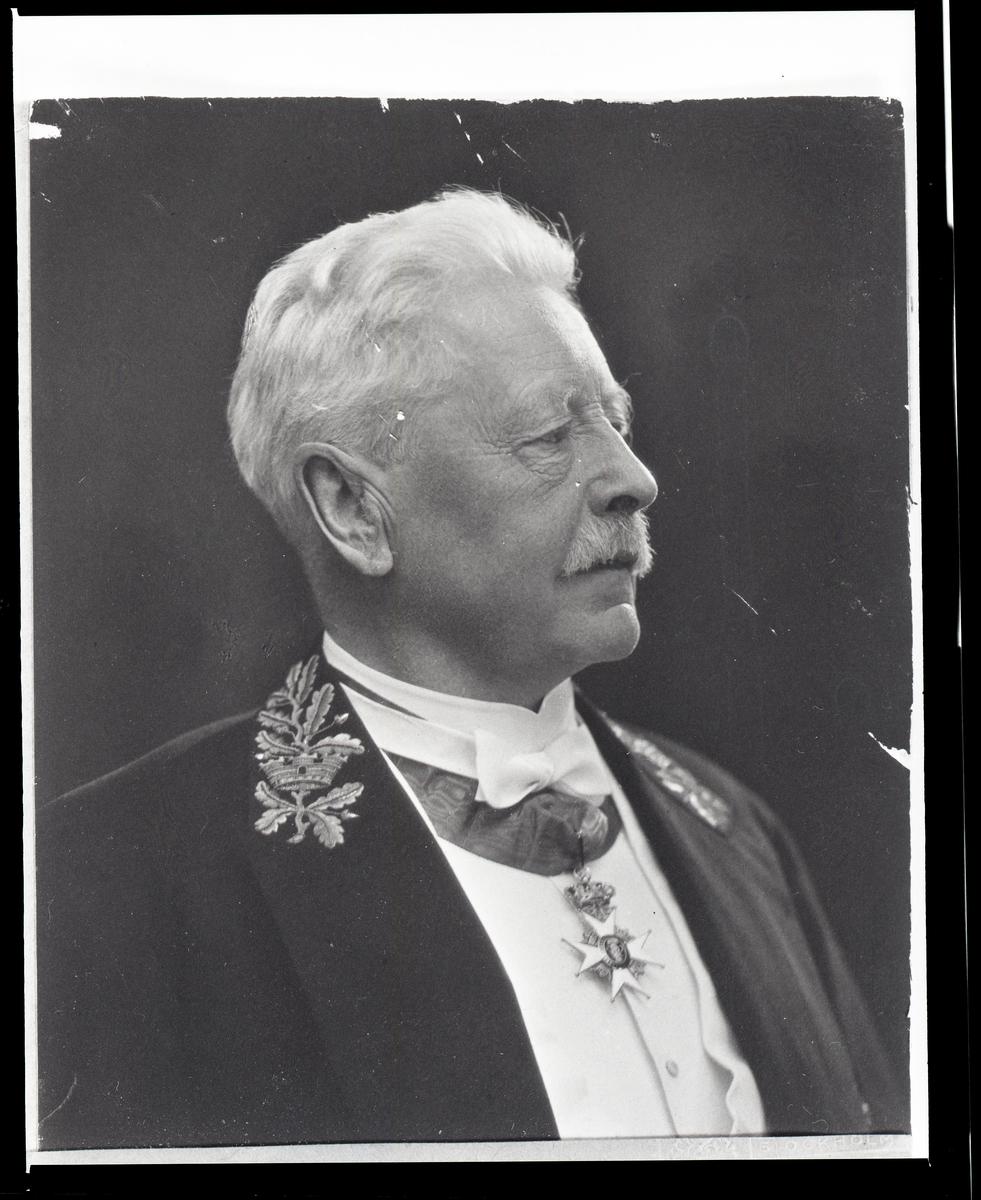 Kommunalpolitiker, Borgmästare, vice Häradshövding och Länsnotarie John Otto Karlsson