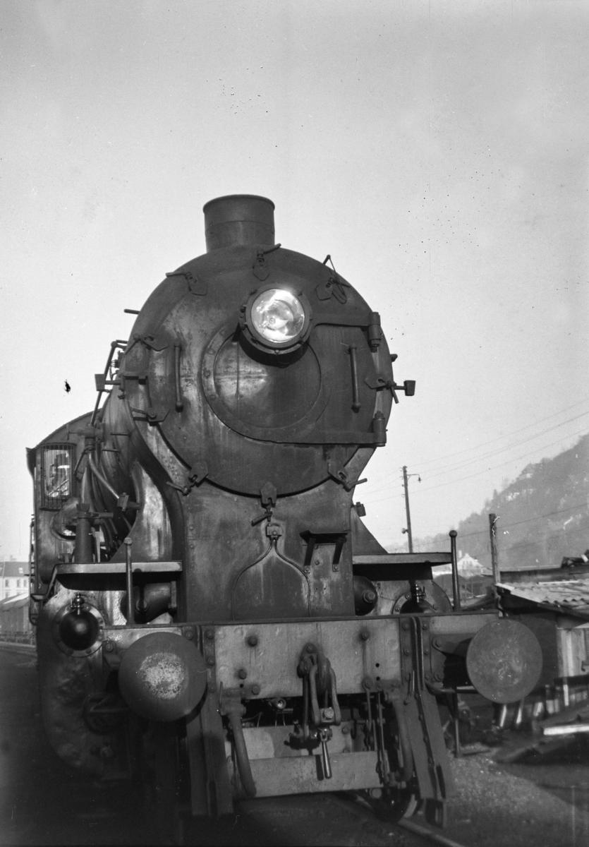 Damplokomotiv type 33a nr. 300 på Bergen stasjon