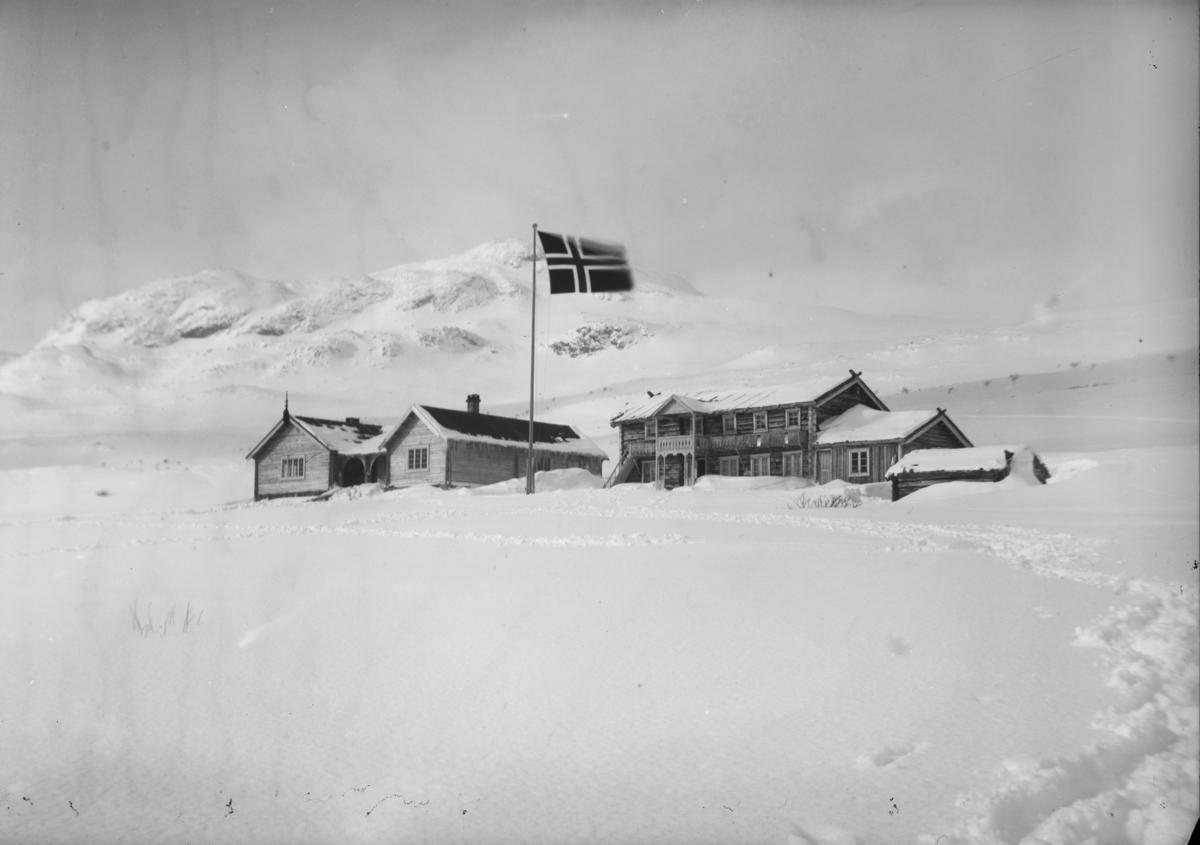 Sjodalen, Bessheim i vinterlandskap, tatt mot vest