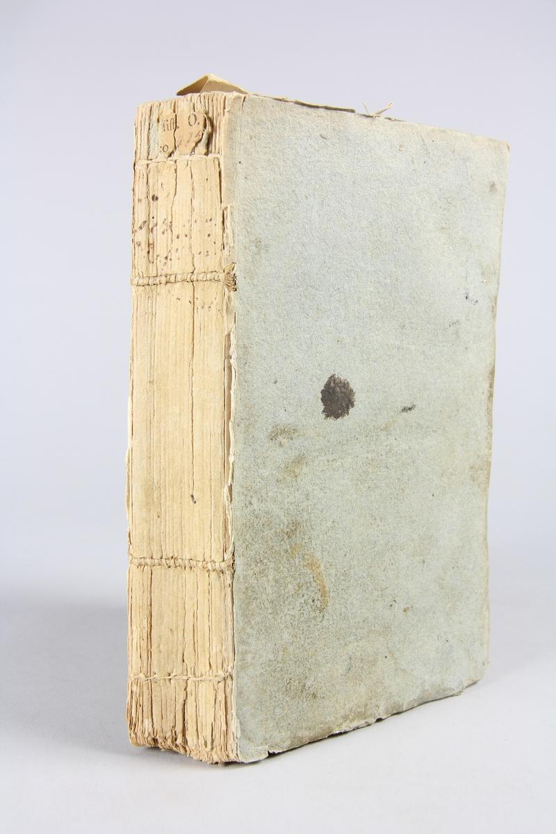 """Bok, pappband, """"Jacob Bruses resa genom Abyssinien"""", del 2,  tryckt 1795 i Stockholm. Pärmar av gråblått papper, blekt rygg med otydlig titel. Oskuret snitt."""