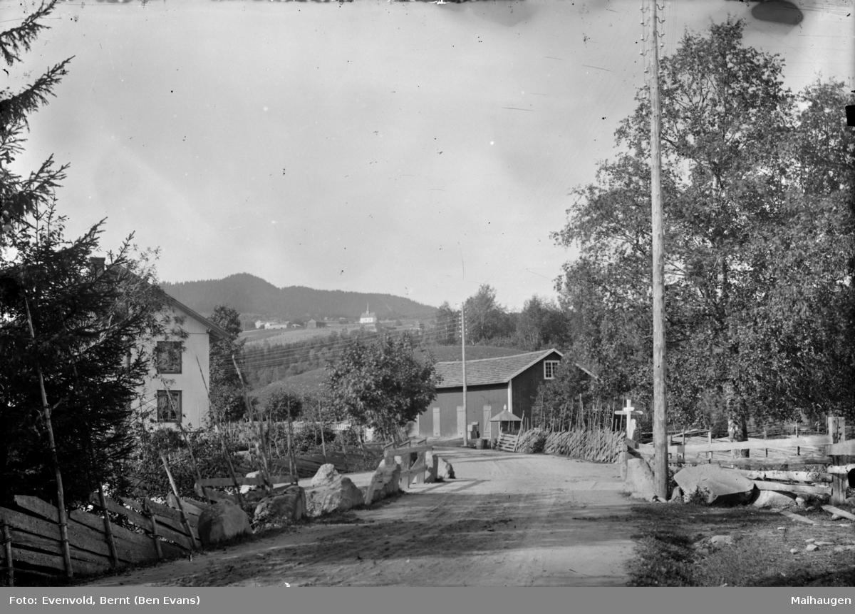 Follebu sentrum med Finna bru og Solheim til venstre