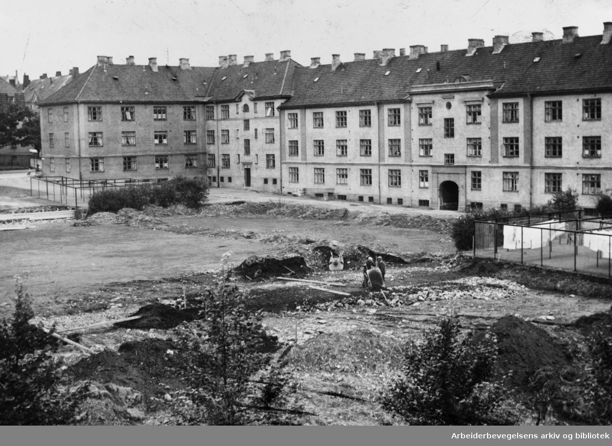Arkitekt Rivertz plass. September 1954