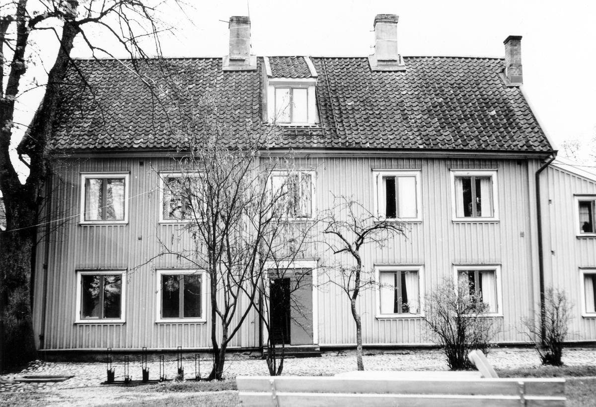 Kvarteret Spinnaren. Gårdsfasaden av Gamla tingshuset vid Södra Ringgatan.