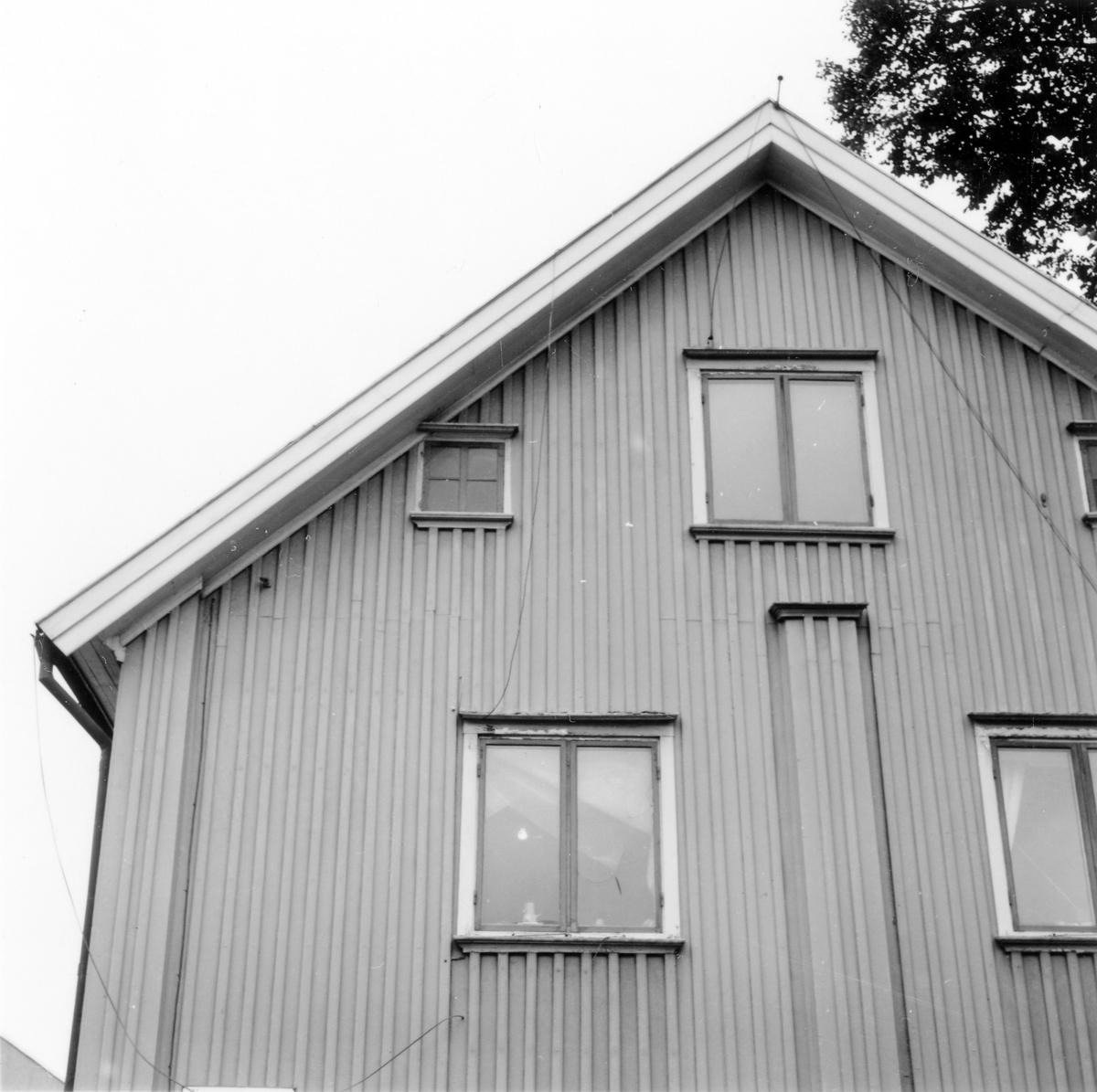 Gamla tingshuset i hörnet av Plangatan och Östra Vattugränd, kvarteret Spinnaren.