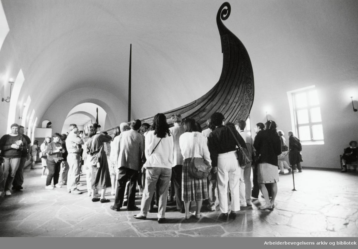 Bygdøy, Vikingskiphuset. Osebergskipet. Juli 1993