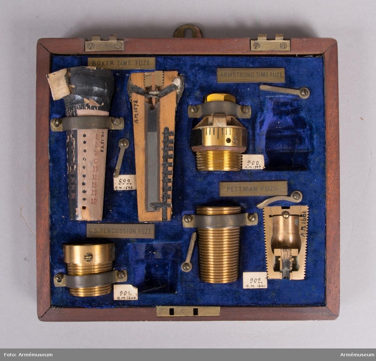 Grupp F II.  Överste Boxers konstruktion år 1852. Till framladdningskanon.