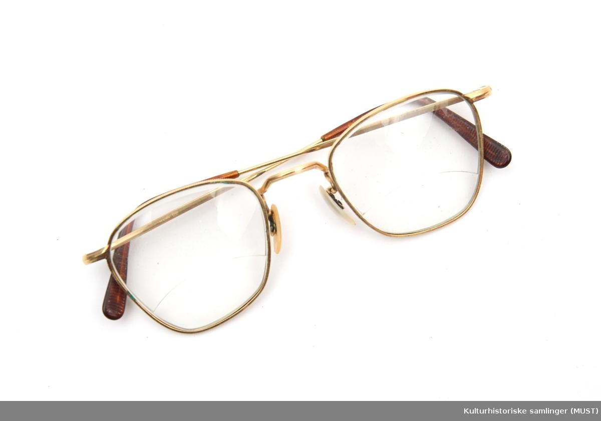 dabf2cb6 Brille - Kulturhistoriske samlinger (MUST) / DigitaltMuseum