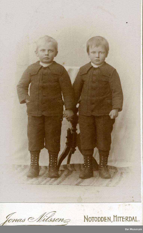 Barneportrett av Olav og Lars Haugen