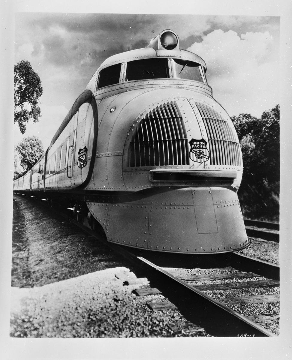 Union Pacific, UP M-10001 persontåg.