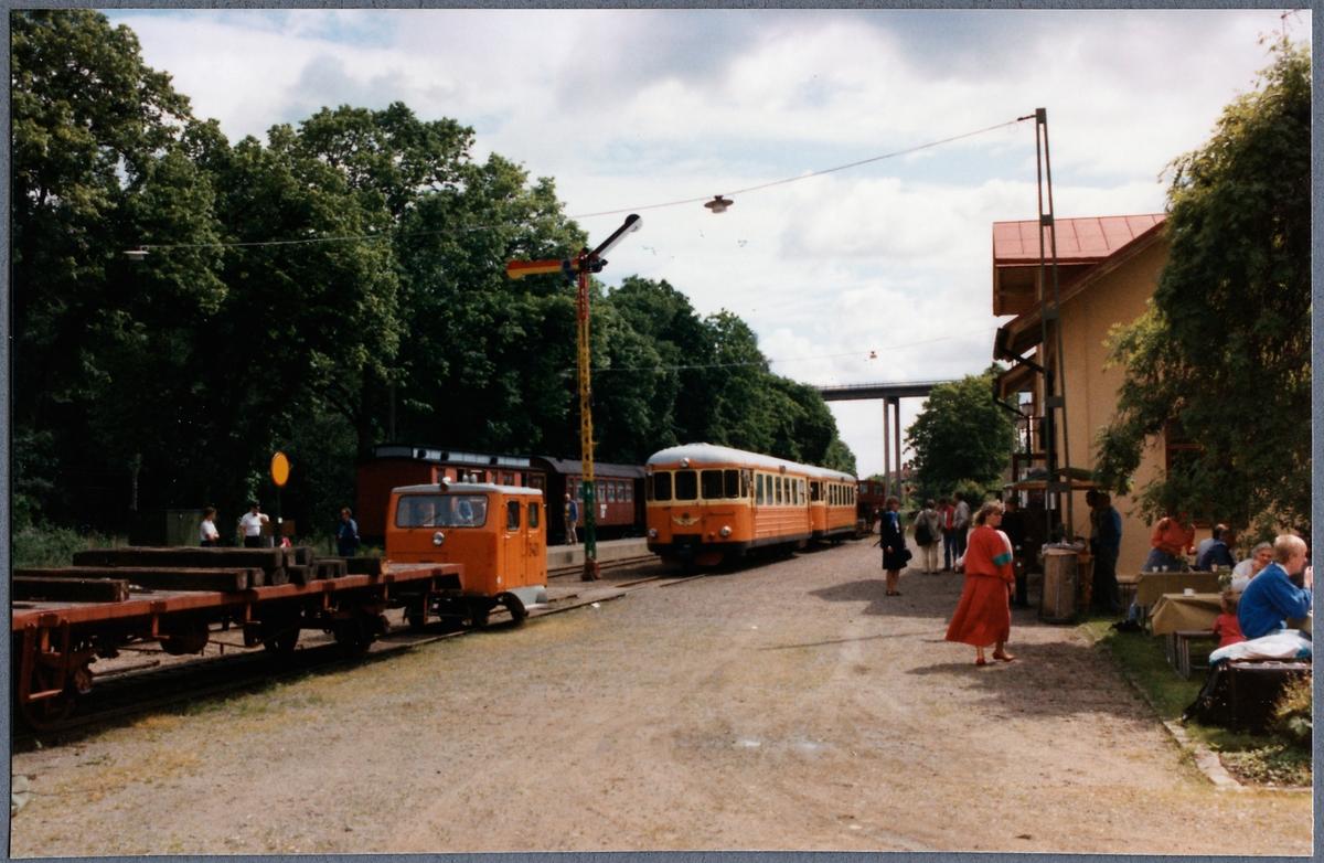 Motorvagnståg vid Verkebäck station.