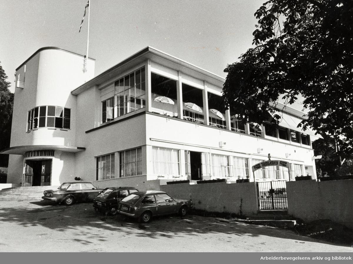 Ekebergrestauranten, nyoppusset ute og inne. Juni 1980
