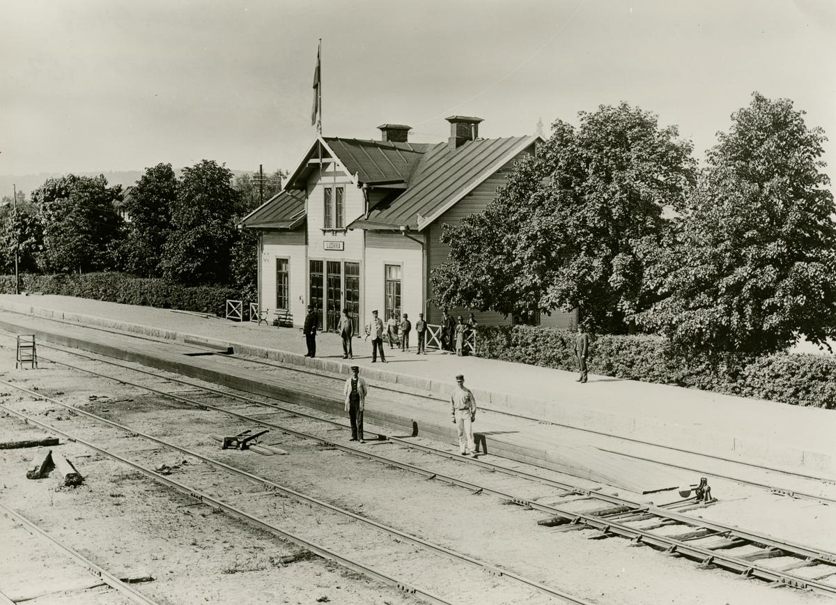Frövi - Ludvika Järnvägs, FLJ stationshus. Stationshuset slopades 1903-05-01 då FLJ, Stockholm - Västerås Bergslagens Järnvägar, SWB samt Bergslagernas Järnvägar, BJ, kom överens om att gemensamt använda BJ stationshus.
