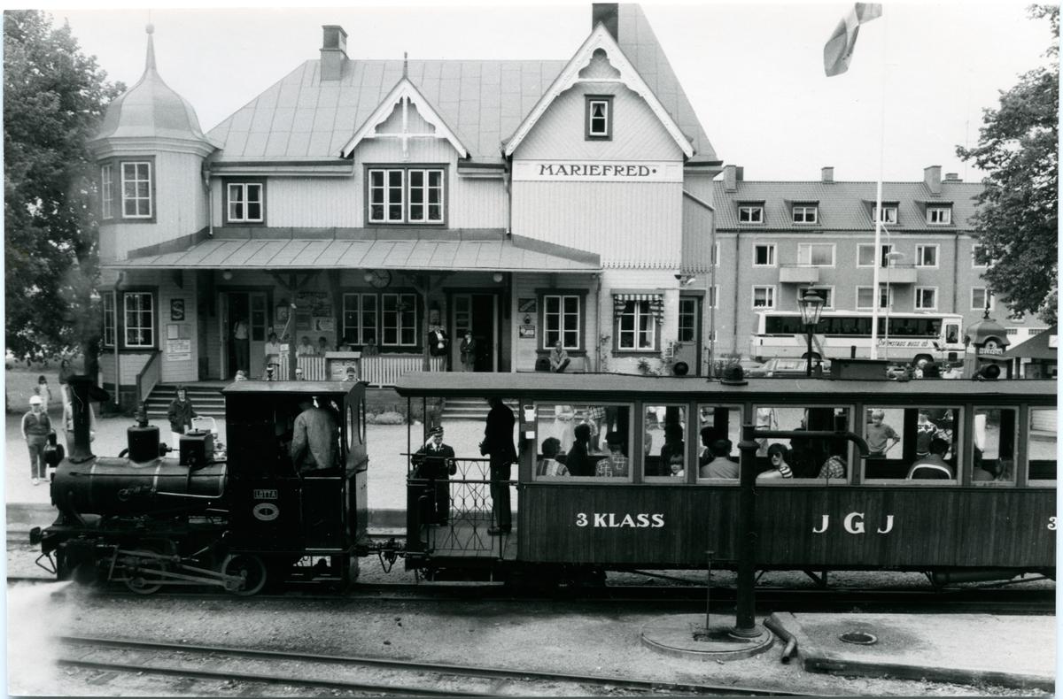 """Östra Södermanlands Järnväg (ÖSlJ) Lok 1 """" Lotta """"  Museijärnväg i Mariefred."""