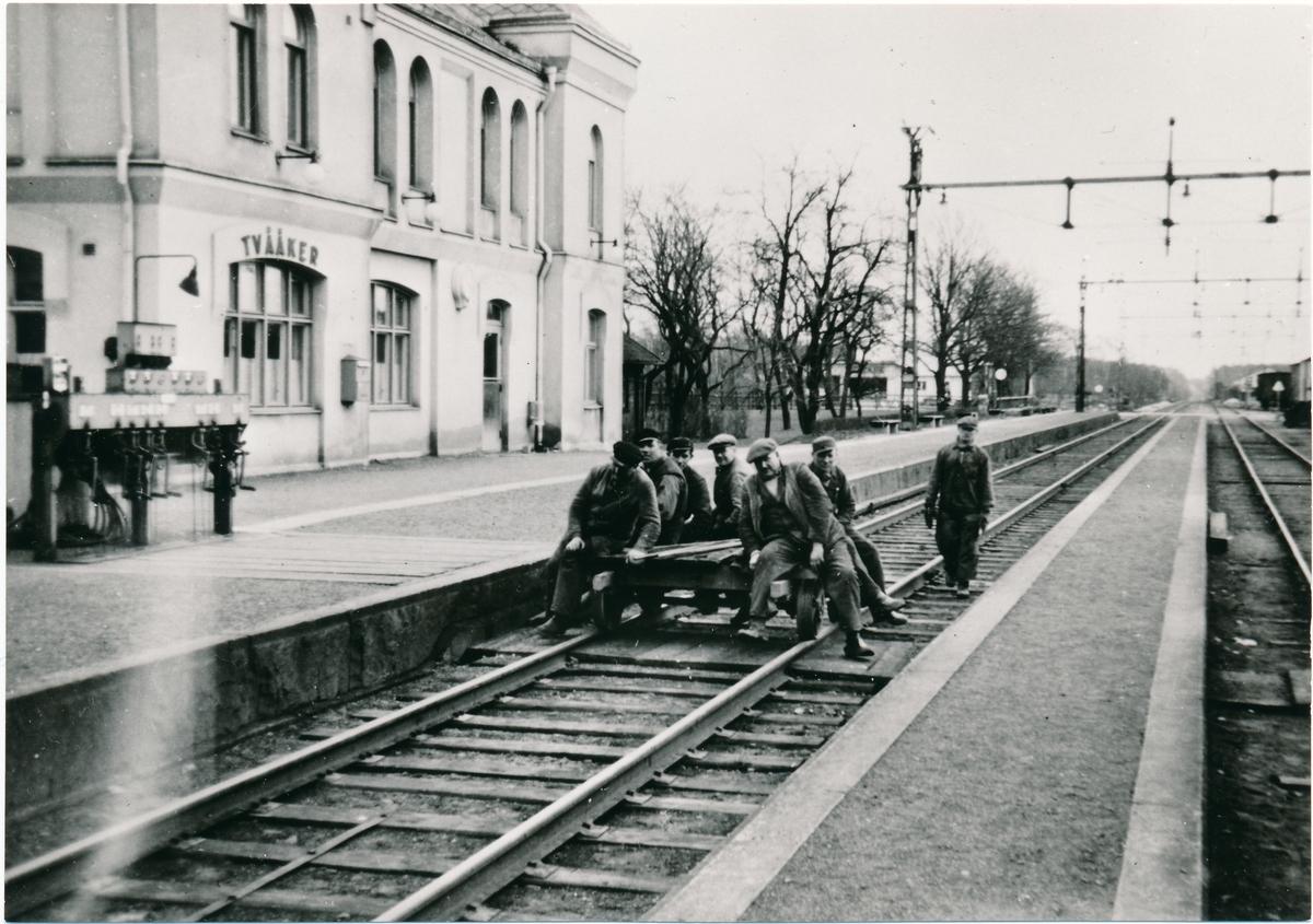 Tvååkers station, ombyggnad av bangården(ett arbetslag från BU)
