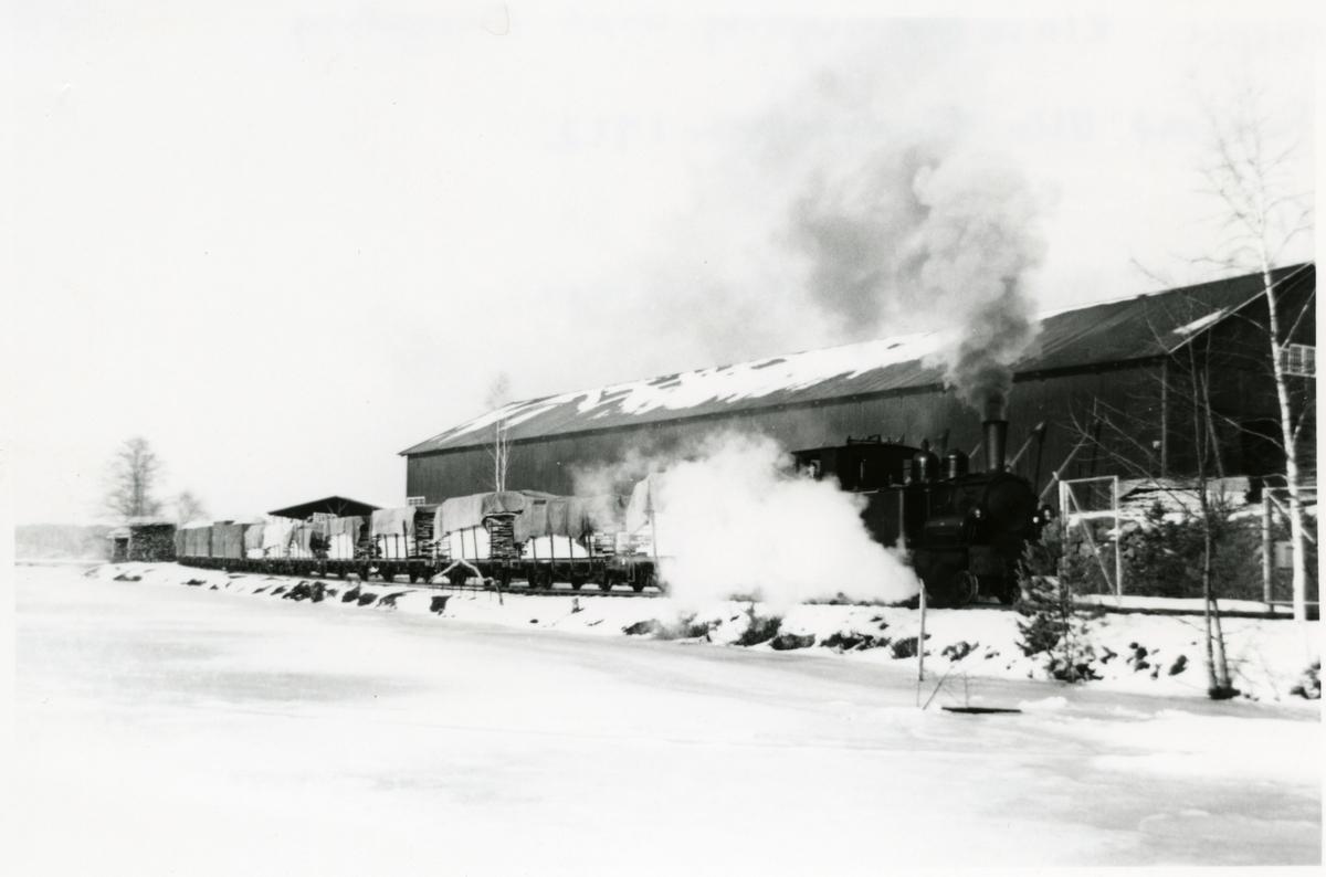 Tåg klart för avgång mot Finspång från Yxviken.