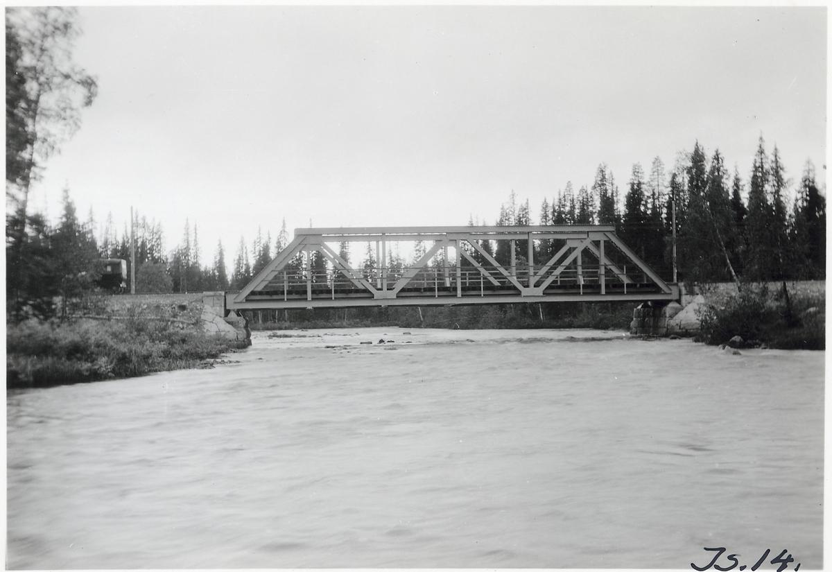 Bro över Nästansjöån II på linjen mellan Lövliden och Aronsjölid.