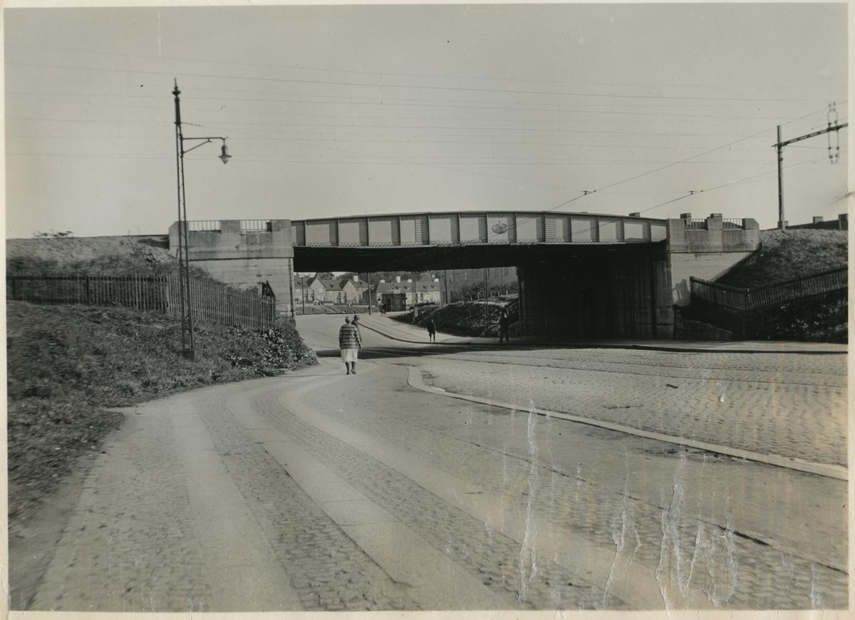 Gatuviadukt vid Ånäsvägen.