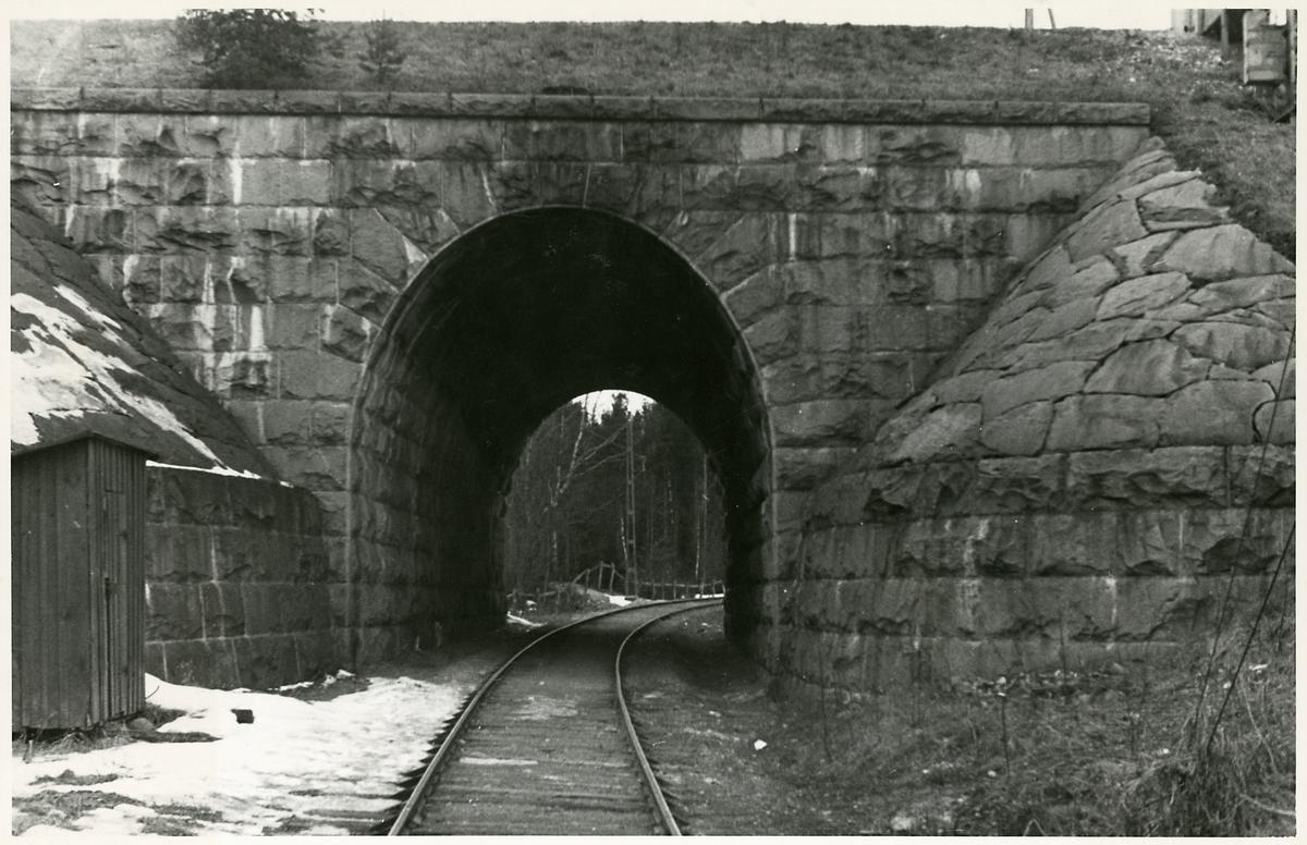 Tunnel på linjen mellan Södertälje uthamn och Södertälje hamn.