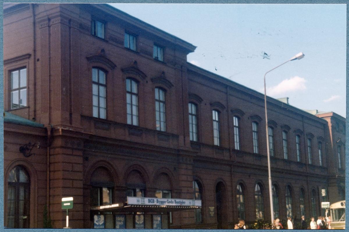 Utanför Malmö Central.