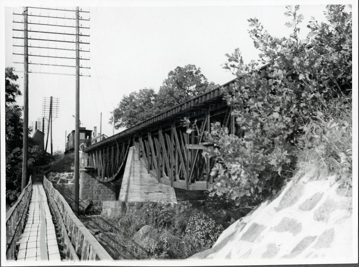 Broarna över Mörrumsån vid Mörrum.