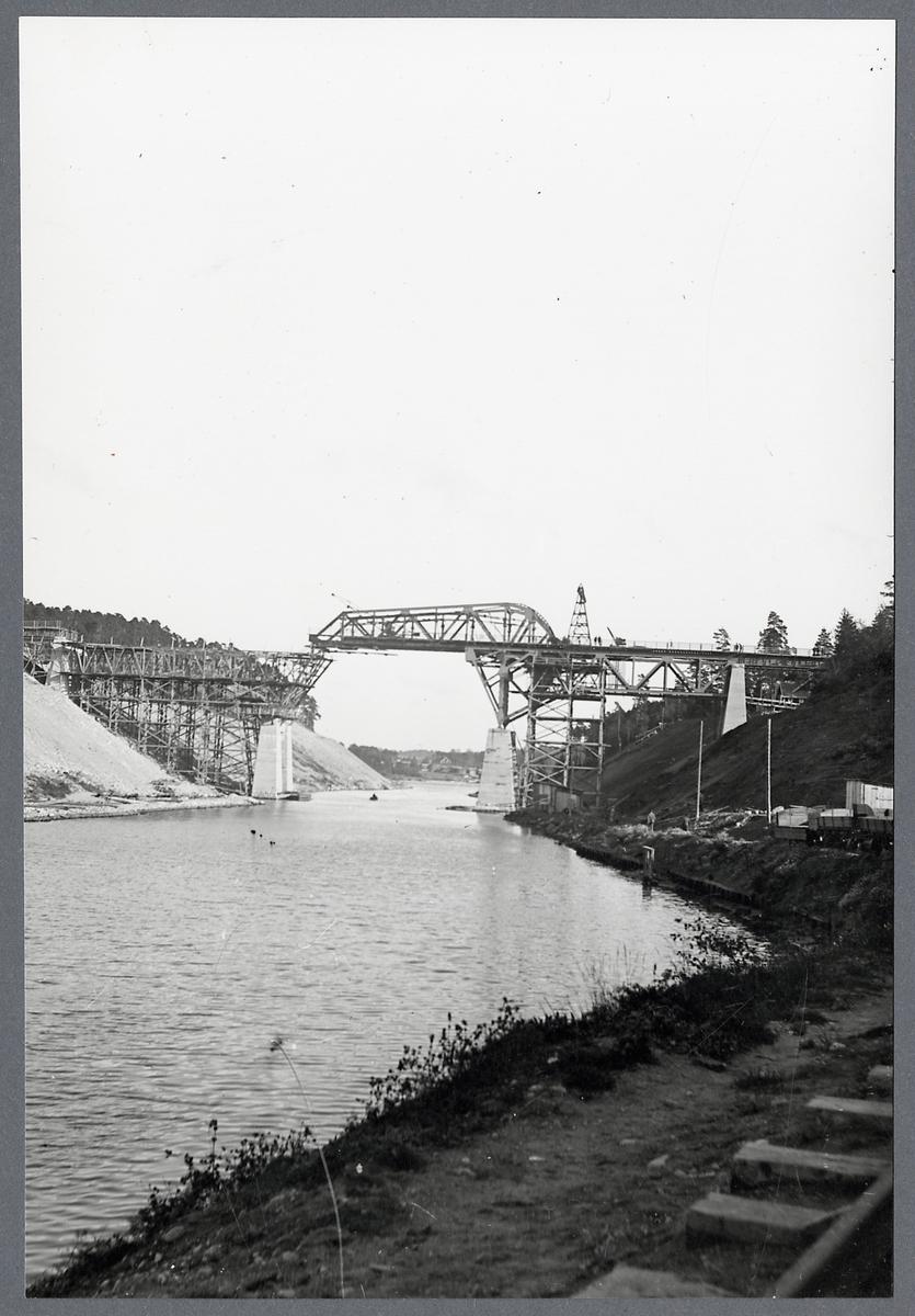 Södertälje klaffbron under byggnad år 1919.